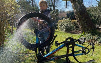 Cykelrens, udpakning fra tur og rengøring – hvordan får du ungerne med til det?